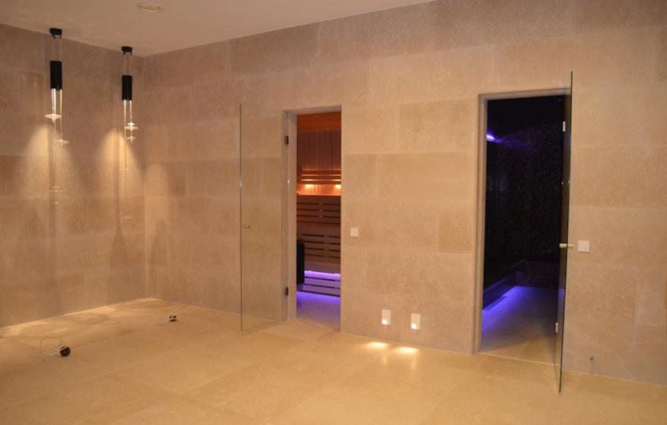 Sauna Inbouwen Badkamer : Inbouw sauna bubbels jets